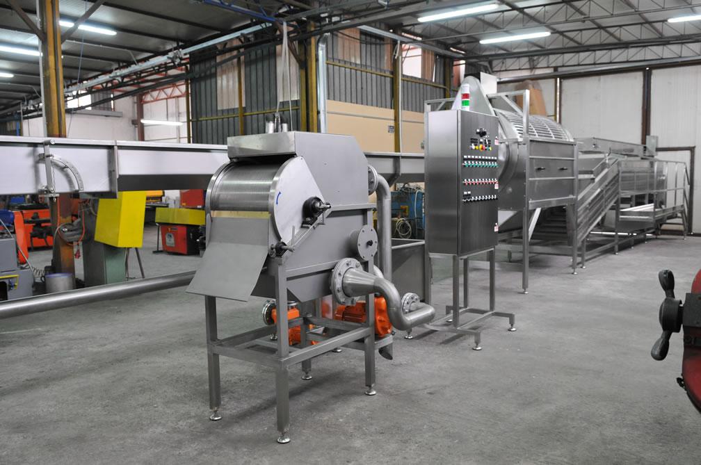 Impianti linea lavaggio e cernita pomodori